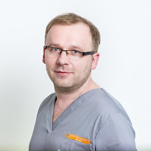 lek. dent. specjalista chirurgii stomatologicznej Radosław Zaniewicz